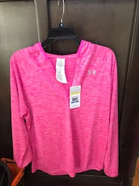 NEW WITH TAGS XL UNDER ARMOUR LADYS HOODIE Madison, 35758