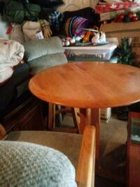 Pub table with 2 sweveling stools Linden, 22642