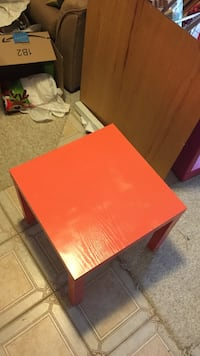 Coral wooden square side table Leesburg, 20175