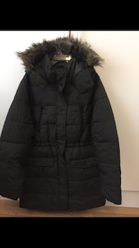 Black parka coat skärmdump