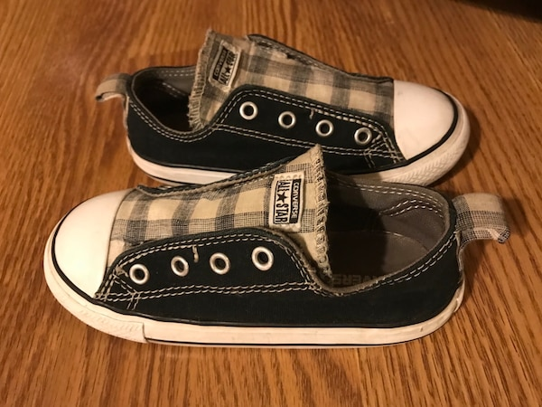 54650b4ba930 Used Toddler Boys Converse for sale in Elk Grove Village - letgo