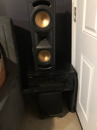 Yamaha stereo and 5 disc cd changer .. and speaker  Washington, 20032