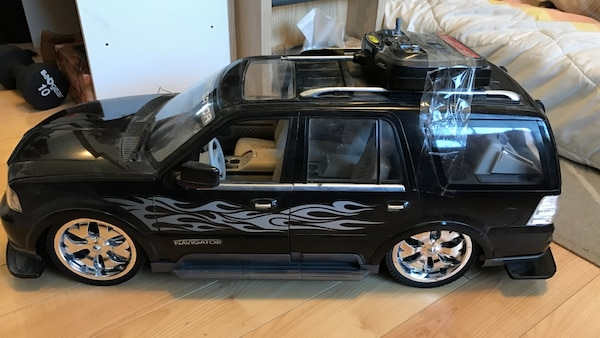 Used Fast Lane Lincoln Navigator 1 6 Scale Rc Truck For Sale In Los