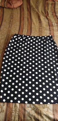 Black and white polka dot skirt  Hollister, 95023
