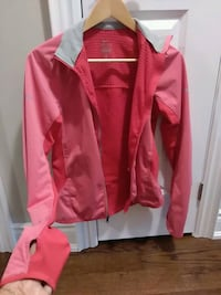 Nike dry fit workout top - small Pickering, L1X 1P5