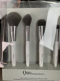 Quo makeup brush set  Calgary, T3E 5Z8
