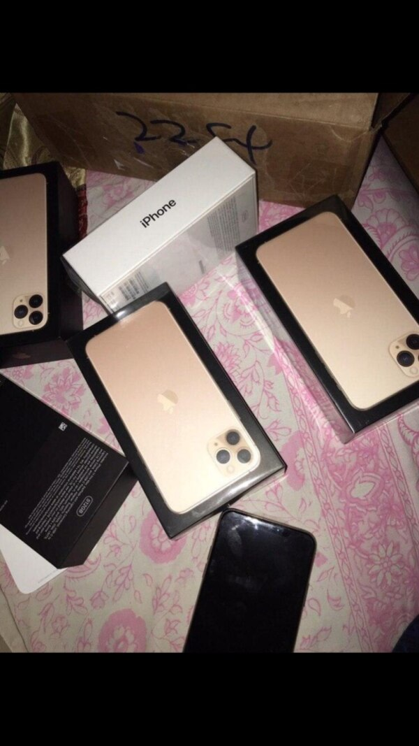 Simple mobile- iPhone 11 64gb (PRODUCT). 026543f3-2ef6-459e-8326-557c2173a939
