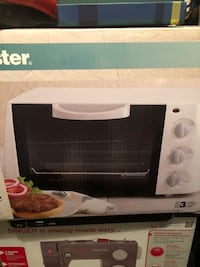 Toaster oven broiler brand new- paid $60 15 mi