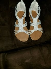 Girl sandals size 12 Edmonton, T6T 1A5