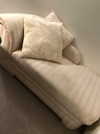 Chaise lounge/ corner couch