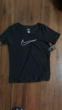 New condition women's large nike t-shirt