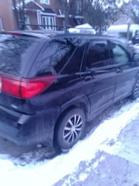 black 5-door hatchback Montréal, H4J 1E8
