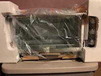 Black and Decker Toaster oven and roaster never used  New Rochelle, 10801