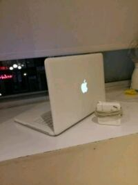 MacBook 2010  Toronto