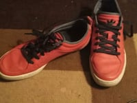 pair of red-and-black sneakers Winnipeg, R3A 0J6