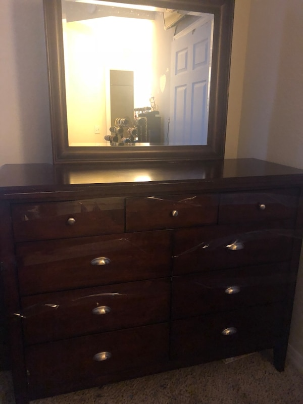 Brown dresser w/mirror 9 drawers