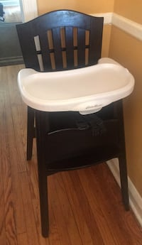 Baby's black and white high chair Baltimore, 21213
