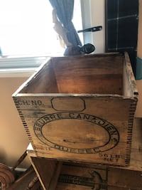 Antique butter crate Barrie, L4N 6B3