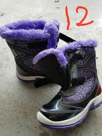 Size 12 little girls snow boots Lincoln, 68504