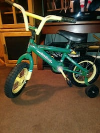 "John Deere 12"" Bicycle"