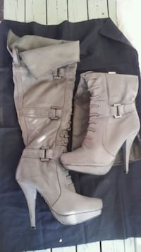 Size 6 boots Red Deer, T4N 5Y3