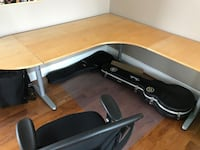 Corner desk. Great condition Guelph, N1G 4Y9