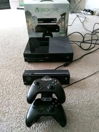 black Xbox One with Kinect, 2 controllers, charger Calgary, T2Y
