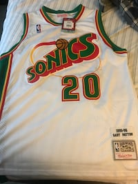 MITCHELL AND NESS GARY PAYTON THROWBACK JERSEY. NEVER WORN TAGS STILL ON!! New York, 10309