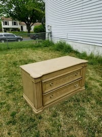 Used dresser in good condition 42 mi