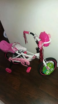 Minnie Mouse Little Helper Huffy  Bicycle  70 km