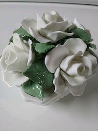 China hand crafted roses sculpture