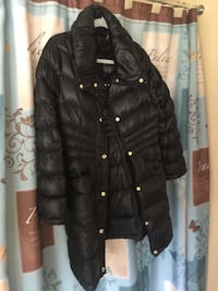 Michael Kors Women. Coat size is a large petite Blakeslee, 18610