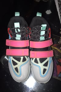 Shoes(High fashon sport wear) size 10