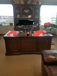 Beautiful 3 piece office set Beltsville, 20705