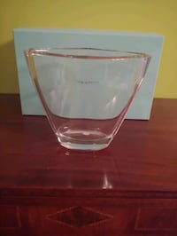 Tiffany and co vase new in box Barre, 05641