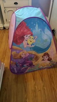 blue and red Disney Frozen themed tent Chino, 91710