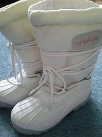 Winter boots girls size 3 Toronto, M9C