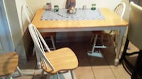 Dining room  table with  4 chairs  PHILADELPHIA