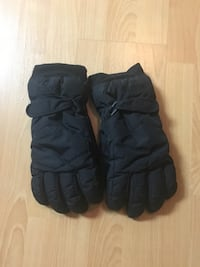 Roots Gloves