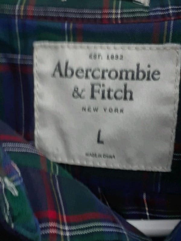 Abercrombie and Fitch   LG shirt c5fa29f1-b2b8-4041-91dc-dd6be1a74221