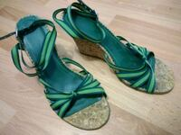 GAP Wedge Sandals - Size 8 Shoes Surrey, V3R