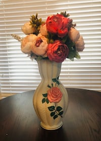 Vintage brentleigh ware clermont rose vase- Flowers not included. Calgary, T3J 0B3