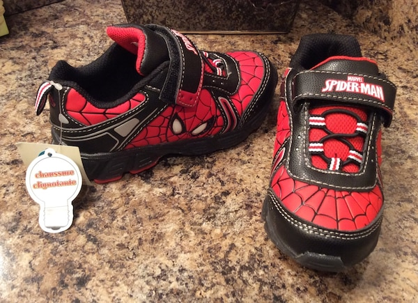 Spiderman red & black low top sneakers ( light up ) - brand new