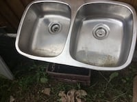 Double kitchen sink Mississauga, L5J 4H2