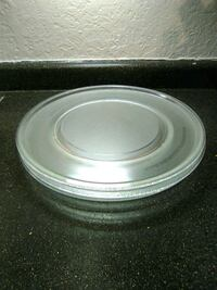 """Microwave 1 glass turntable 16"""" asking for 2$ Albuquerque, 87109"""
