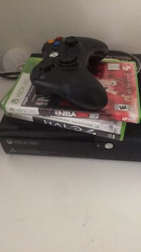 Xbox 360 with 2 controllers + games ! Manassas, 20109