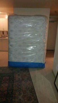 4 inch pillow top Sealy box and matress London, N5Y 4X1
