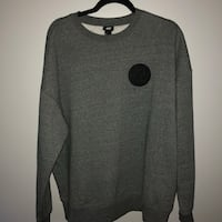 XO THE WEEKEND X H&M CREWNECK Pickering, L1V 3B1