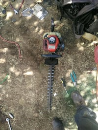 To Mac 2200 chainsaws and Chinese hedge trimmers a Fresno, 93727