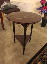 Convertible wooden side table Silver Spring